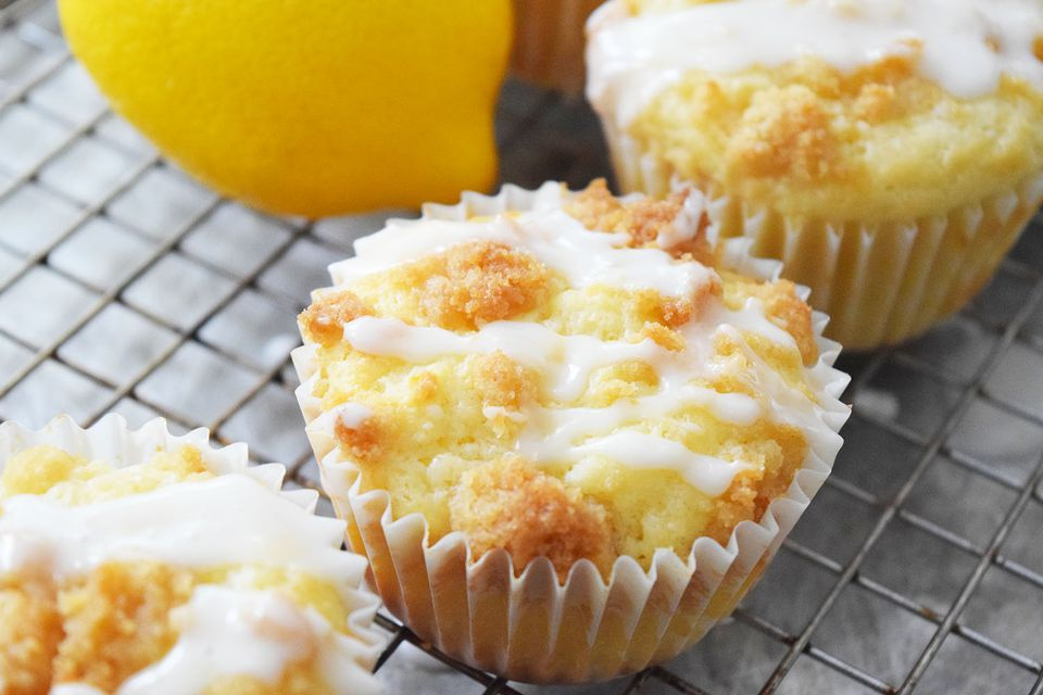 Sweet and Tangy Lemon Crumb Muffins Recipe