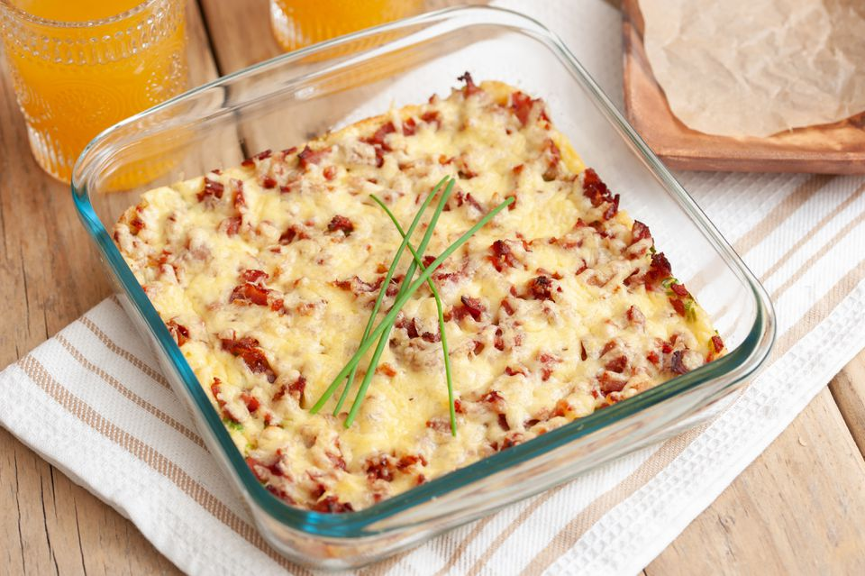 Make-Ahead Bacon and Egg Breakfast Casserole Recipe